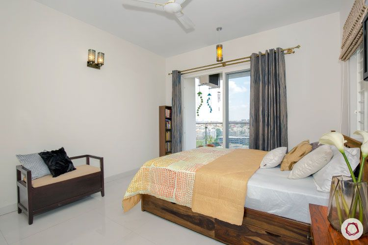 Indian house design_master bedroom with balcony