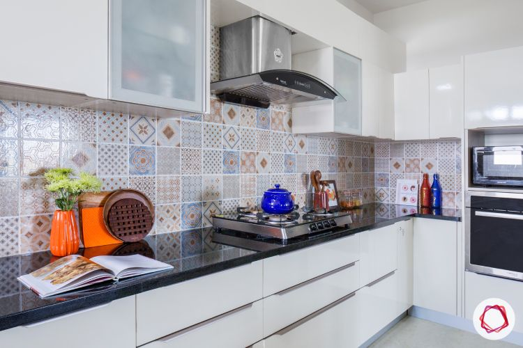 latest home design_two-toned kitchen