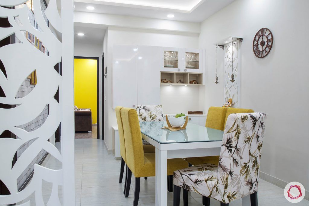 Cleo county noida_dining room with jaali divider