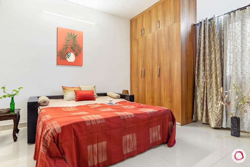 accurate-wind-chimes-master-bedroom-bed-wooden-wardrobes