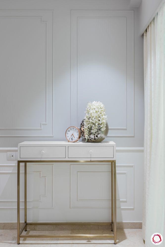 3-bhk-in-mumbai-living-room-console-table-drawers-wall-mouldings